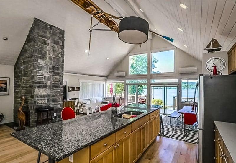 Beautiful lake house rental