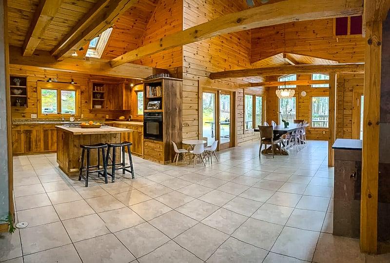 Luxurious interior décor.
