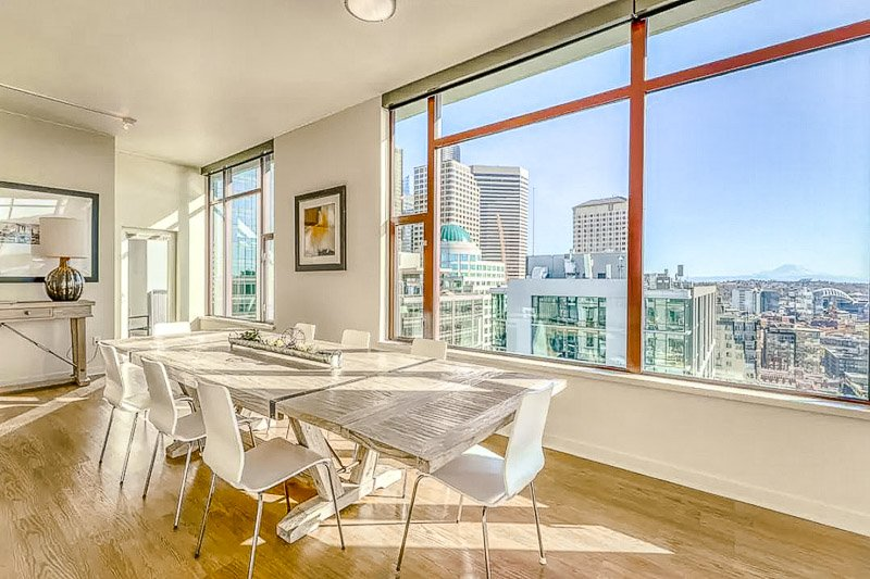 This city loft Airbnb is among the best vacation rentals in Seattle, Washington