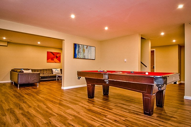 Entertainment room with pool table.