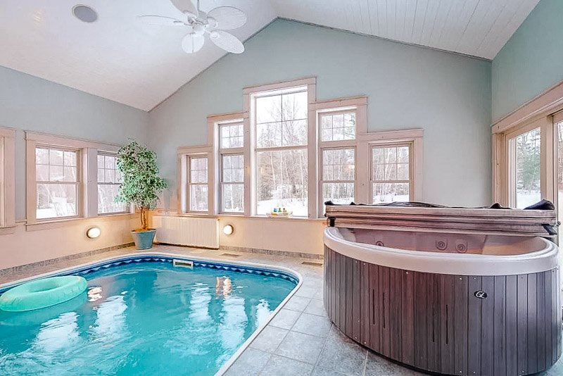 Modern Airbnb in Maine with an indoor pool and hot tub
