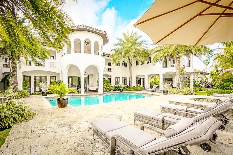 A grandiose Airbnb mansion in the heart of Miami.
