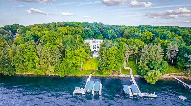 Lakefront home on Lake Geneva, Wisconsin