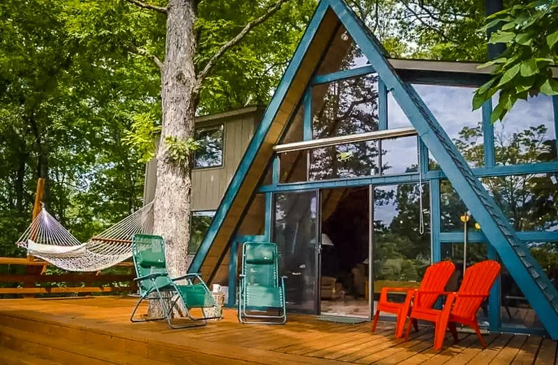 A secluded a-frame cabin rental in Missouri