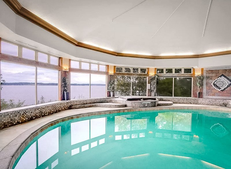 Waterfront mansion for rent in Maryland