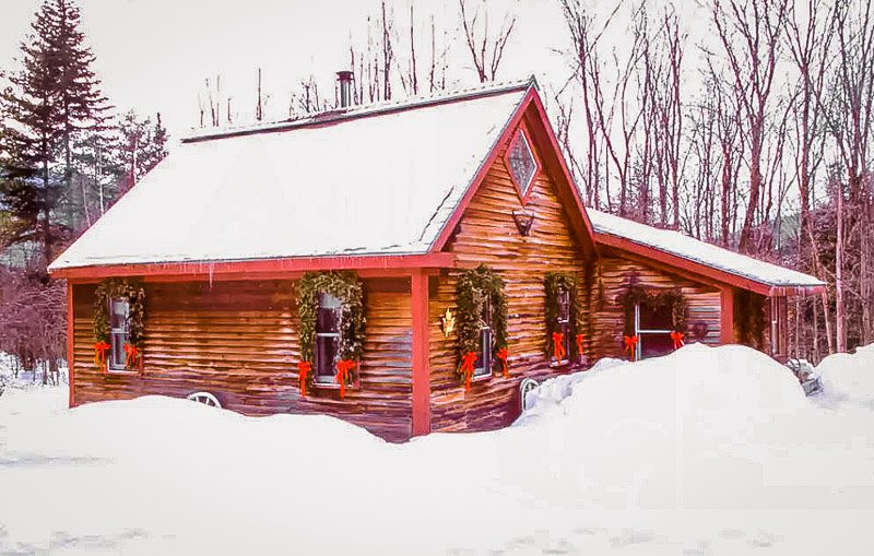 Cozy cabin Airbnb in Stowe, VT.