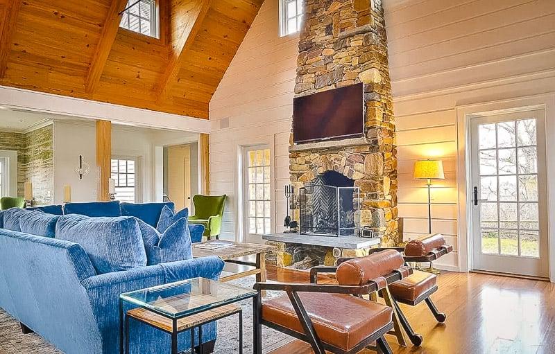 Elegant interior decor
