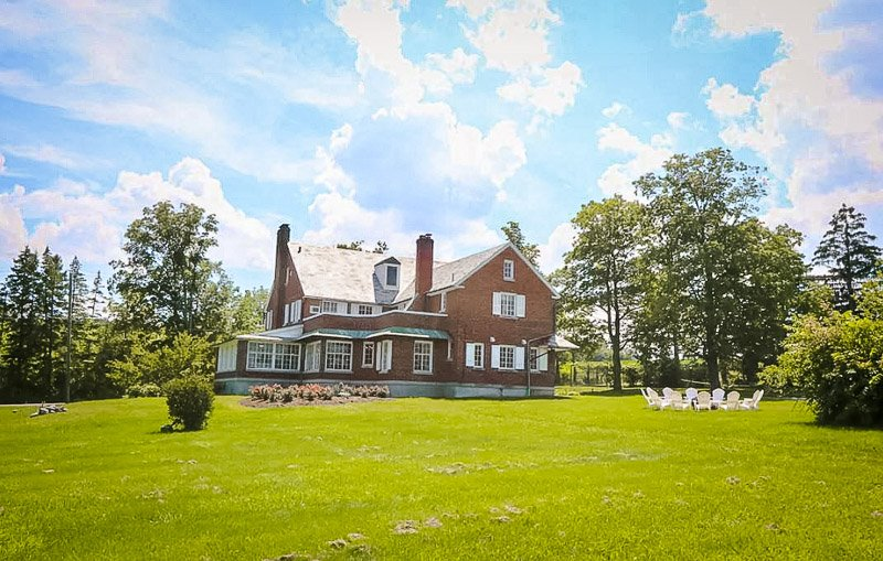 Beautiful Finger Lake estate for rent for large groups of family/friends.