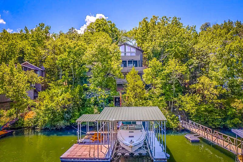 This beautiful home is one of the best Airbnbs in Lake of the Ozarks for large groups.