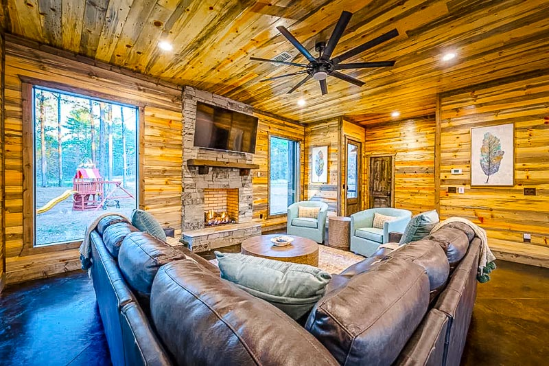Living room and log cabin vibes