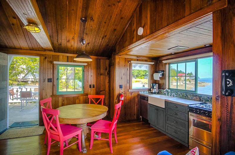 Cozy log cabin interior design
