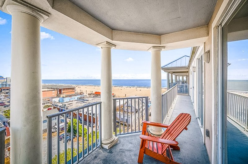 This penthouse is easily among the best beach house rental in Maryland