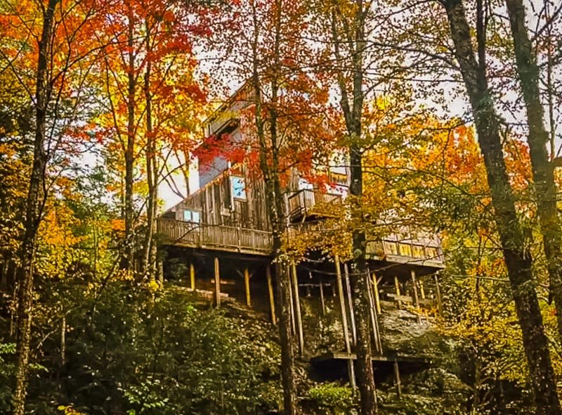 Treehouse Airbnb in Stowe, Vermont