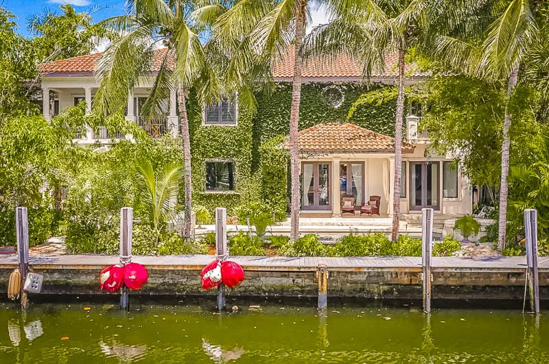 Waterfront home for rent in Fort Lauderdale.