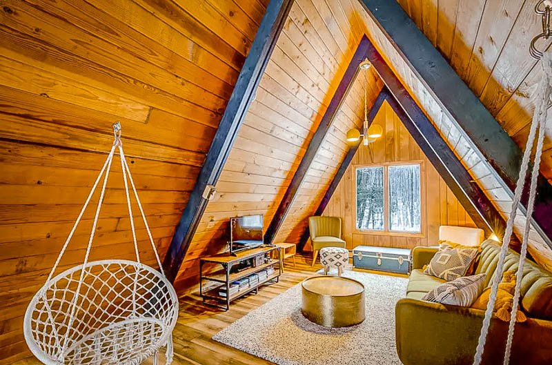 Cozy A-Frame cabin for rent in Maryland.