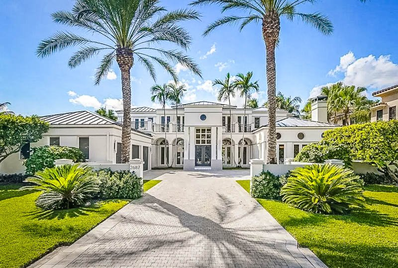 This waterfront villa is among the best Airbnb estates in Miami, Florida