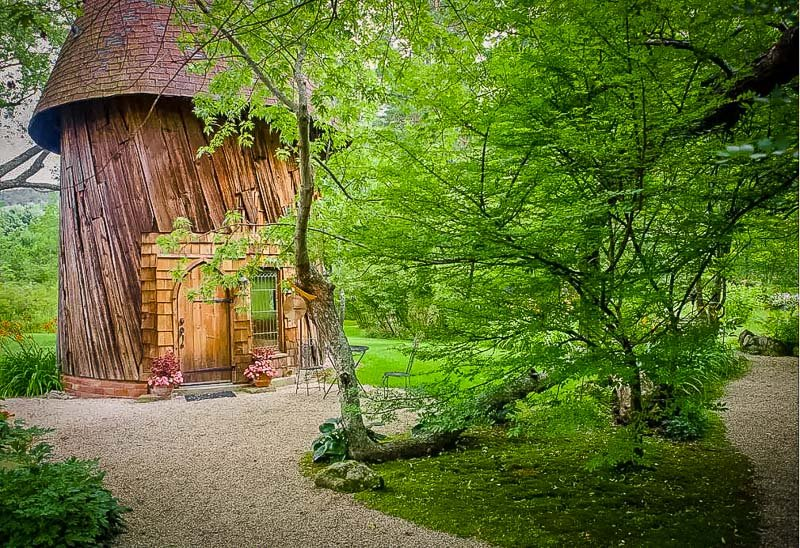 A magical Airbnb treehouse in Western Massachusetts