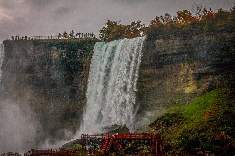 Explore Niagara Falls by bike so you don't have to deal with the crowds.