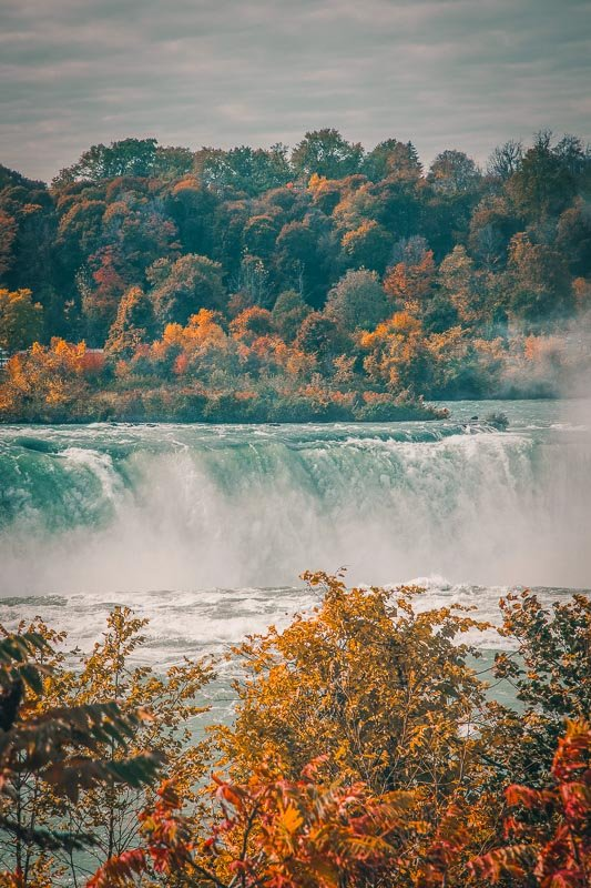 Fall in Niagara Falls is a breathtaking sight. This is among the coolest fun facts about Niagara Falls