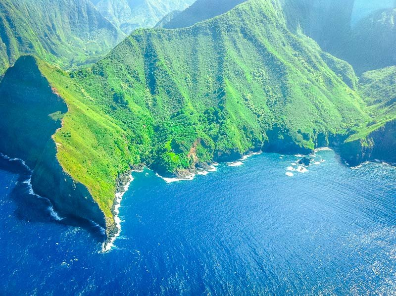 Molokai boasts the highest sea cliffs in the world.