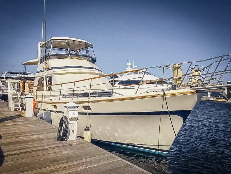 Unique yacht rental in Massachusetts