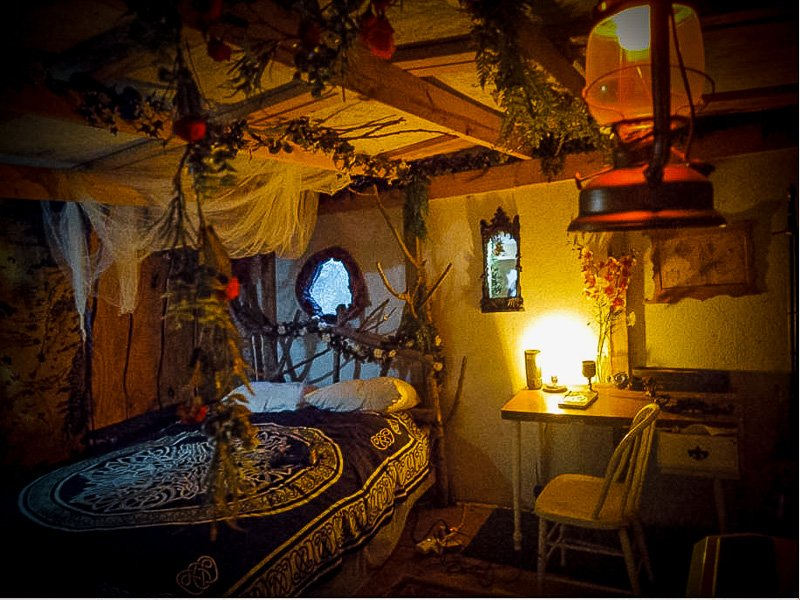 A magical overnight experience inside the earth house Airbnb.