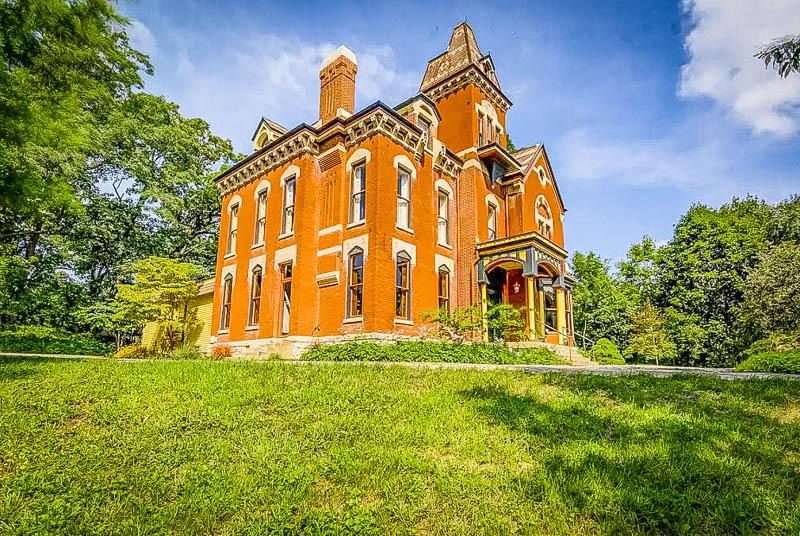 A glorious estate in Illinois.