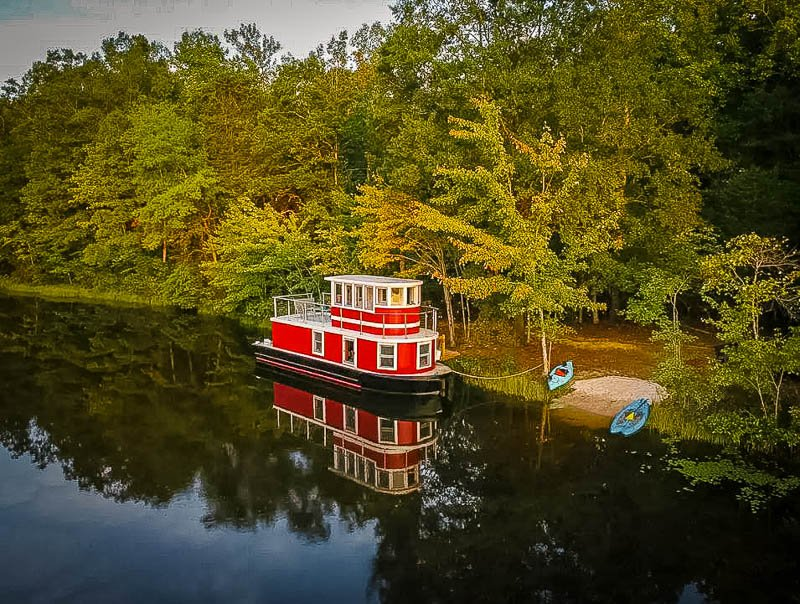 Tugboat rental on a private lake in Virginia.