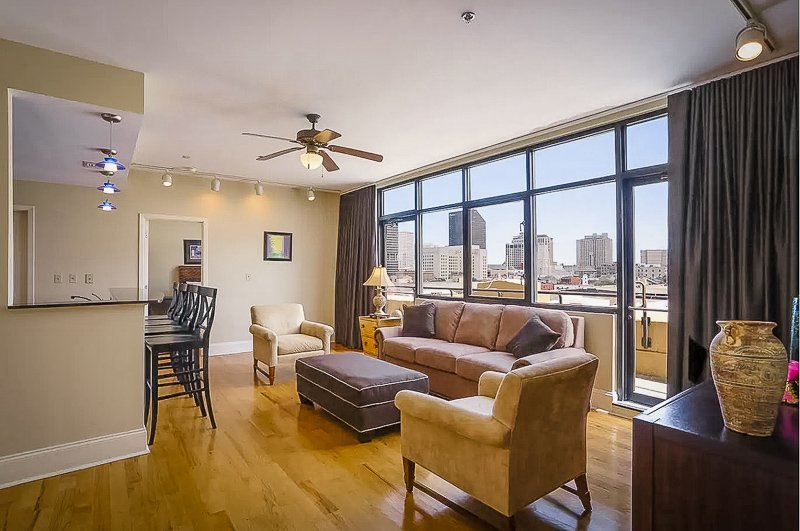 One of the best and cheapest penthouses for rent in New Orleans.