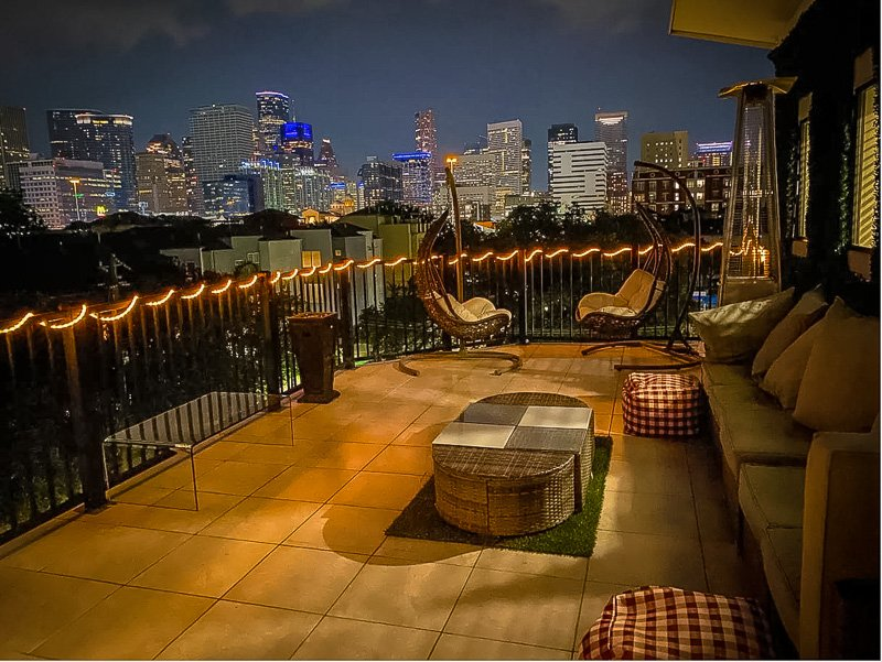 Rent a penthouse Airbnb in the center of Houston, Texas