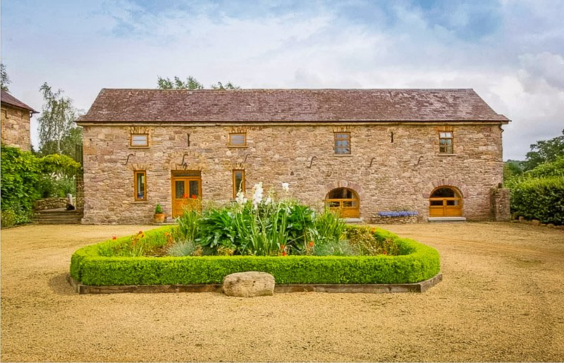 This coach house rental in Kilkenny, Ireland is one of the most charming Airbnbs imaginable