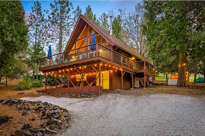 A-Frame cabin Airbnb in the mountains of California
