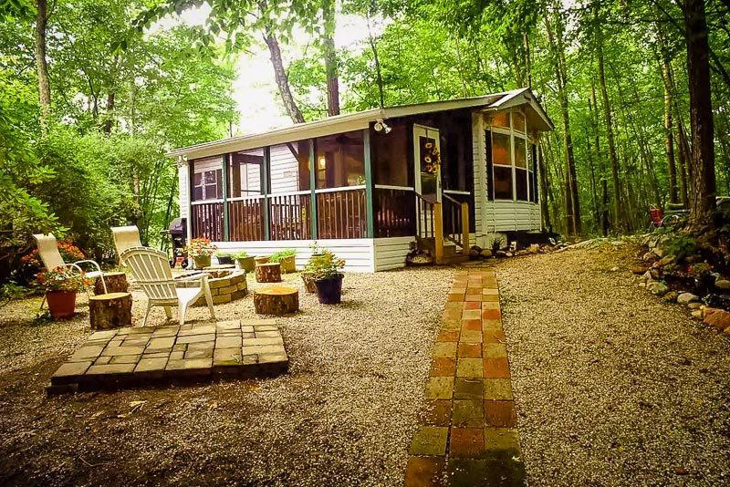 This Airbnb tiny house offers the ultimate glamping experience