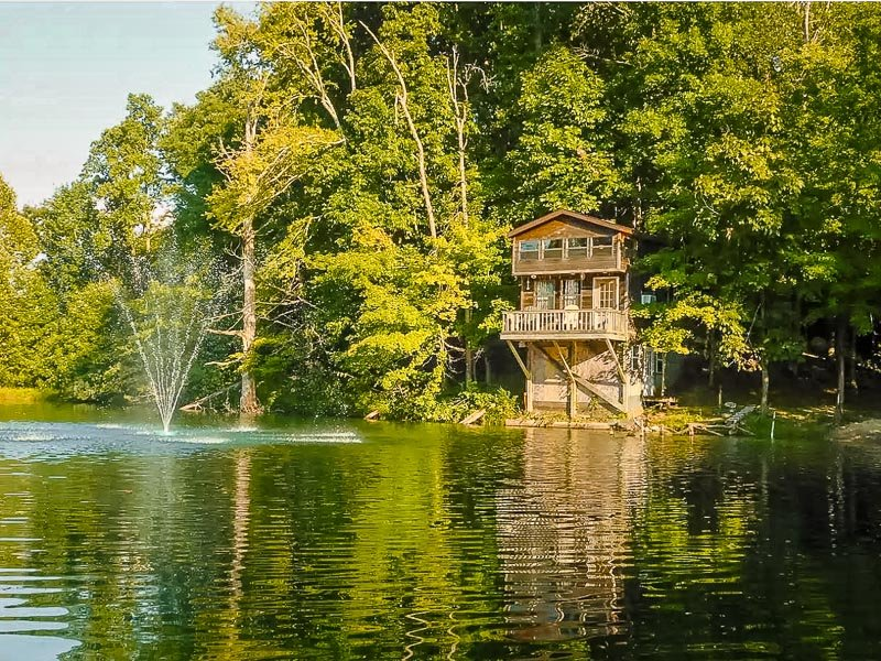 This unique cabin lies on a lake in Illinois