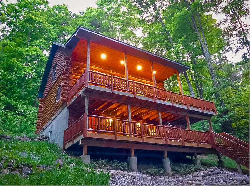 Michigan cabin Airbnb to rent in Traverse City