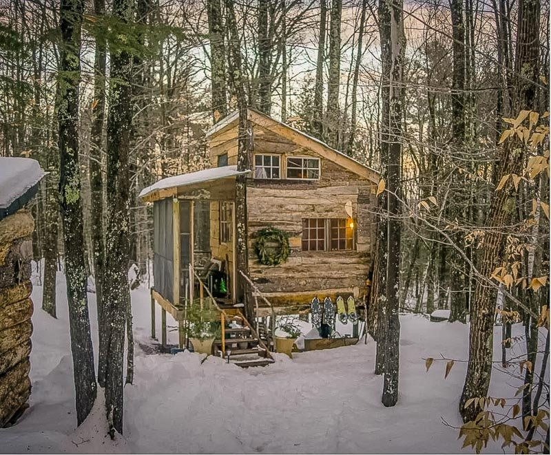 A unique cabin rental amid the trees of New Hampshire.