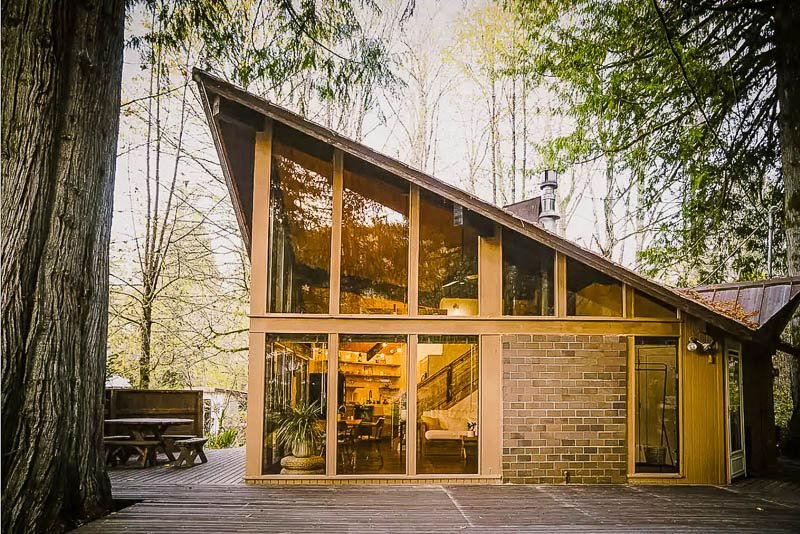 A modern Airbnb in Washington State in the middle of the woods.