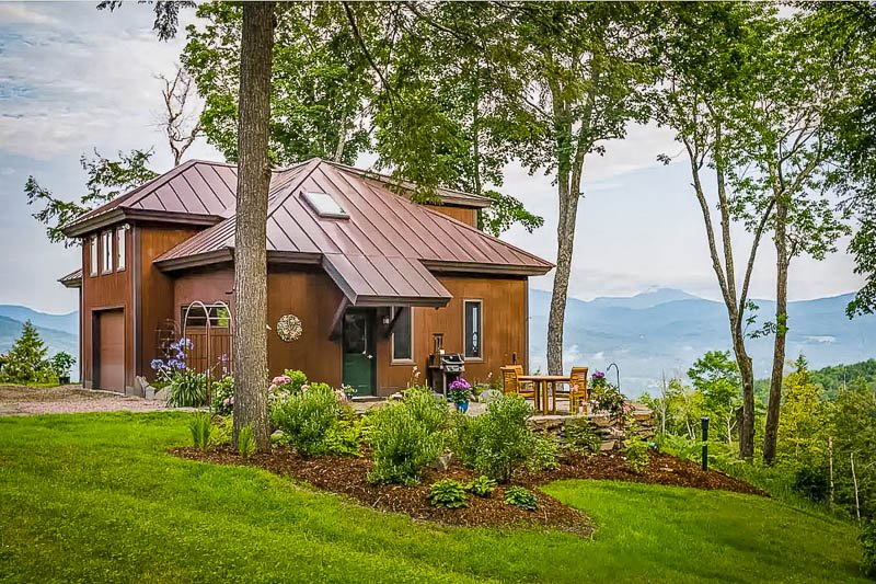 Beautiful vacation rental perched in the mountains of VT