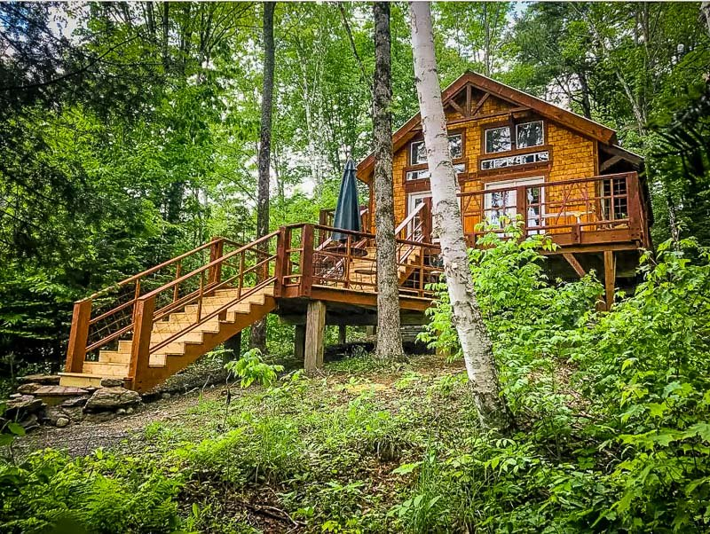 A luxury Airbnb treehouse that's among the best in New England