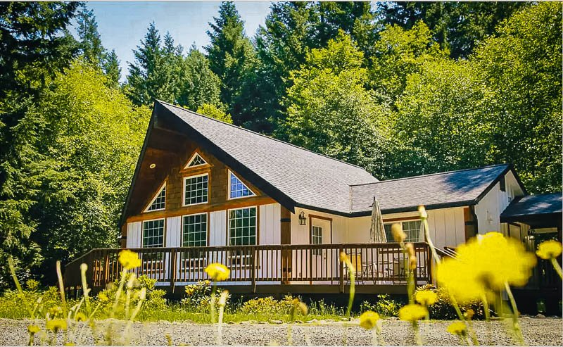 One-of-a-kind rustic cabin rental in Washington State