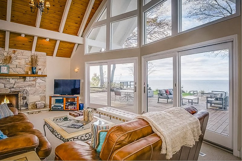 Lakefront home for rent on Lake Michigan