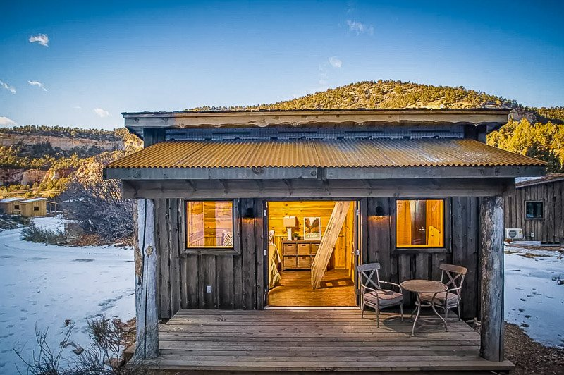 A unique cabin for rent in the desert of Utah