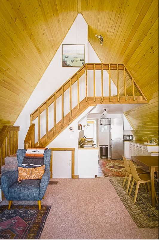High ceilings and plenty of space for large groups
