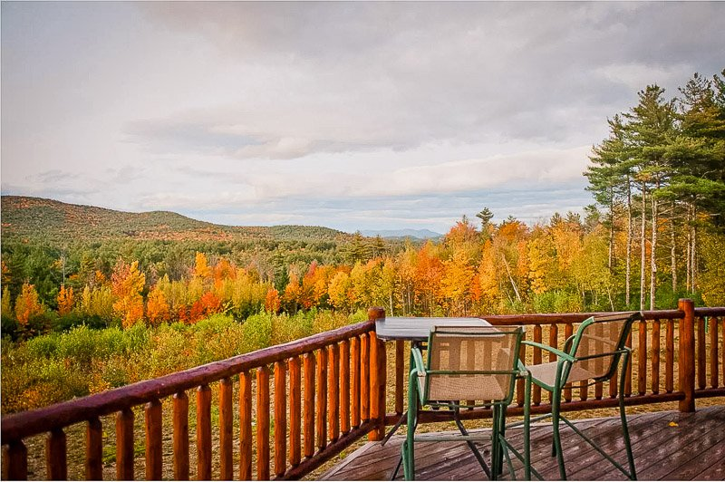 Spacious cabin deck facing the forest