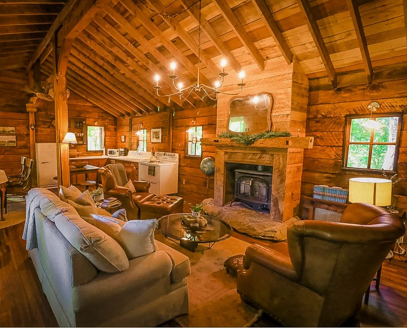 Airbnb cabin in the Blue Ridge Mountains.