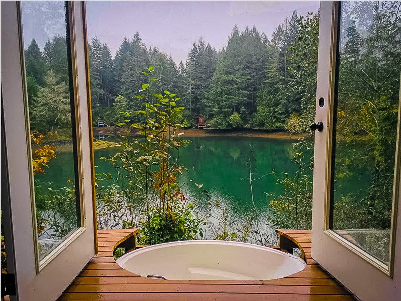Outdoor tub overlooking the waterfront