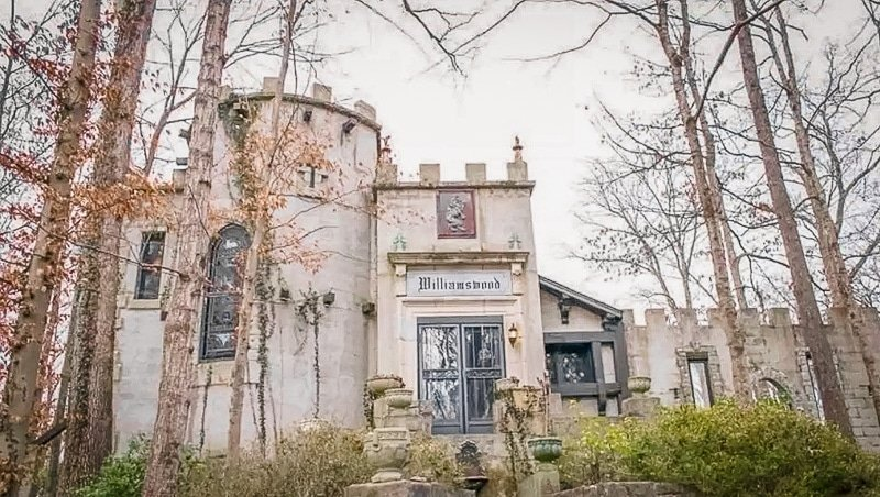 A unique castle Airbnb rental in Tennessee