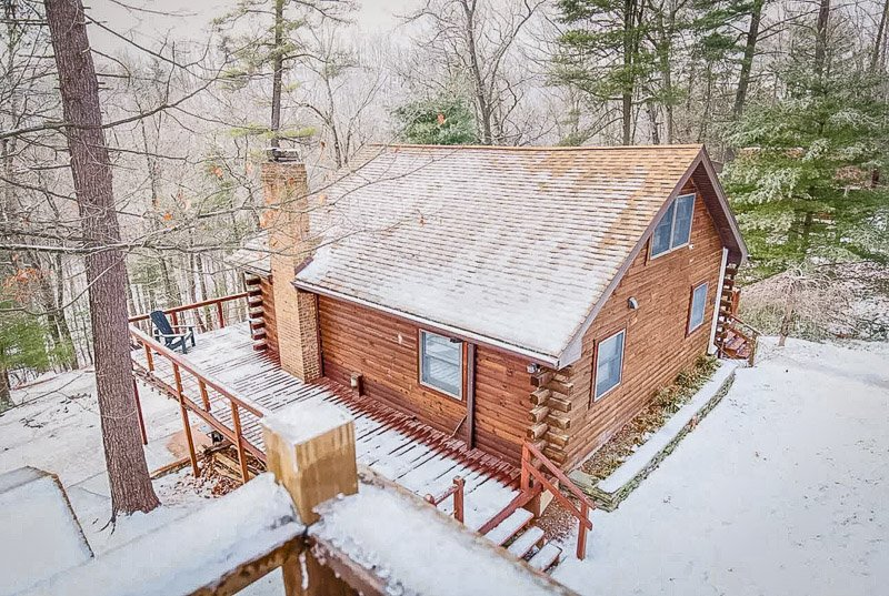 Cozy cabin to rent in West Virginia