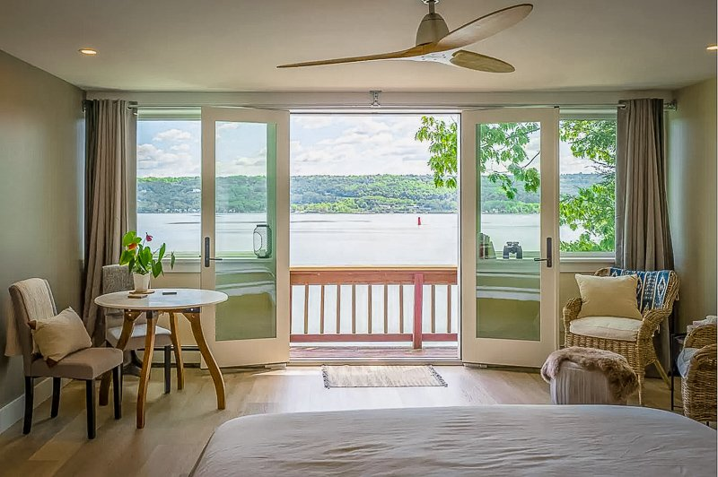 A beautiful lake house for rent in the Finger Lakes