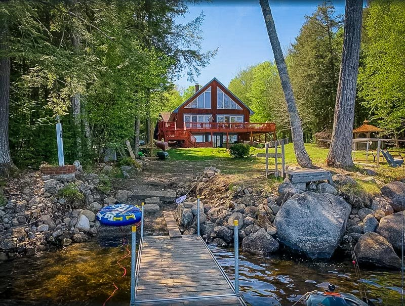 A cabin for rent on a lake in Maine